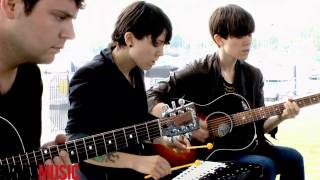 "Tegan and Sara ""Back in your Head"" acoustic in Chicago"