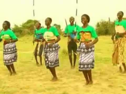 Nimule Choir (South Sudan) Koch ee ke kor cheng de ajaleeb By Tor Awuou :)