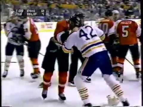 Philadelphia Flyers Eric Lindros 3rd season goals 27 28 29 Fight 1994-95