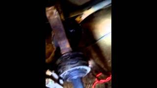видео Самостоятельная замена ШРУСа  ВАЗ 2108 в домашних условиях