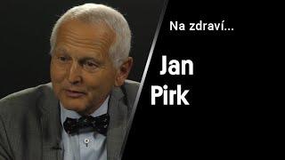 """""""Původně jsem chtěl být námořním důstojníkem. Nakonec jsem dělal 330 operací ročně."""" – říká Jan Pirk"""