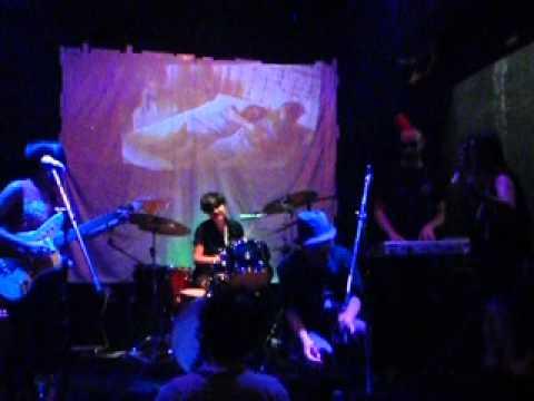 TinVulva covers Captain Beefheart's Hot Head into Ashtray Heart mp3