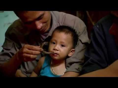 Małgorzata Rozenek nie mogła znieść widoku dziecka, które jadło węża! [Azja Express]