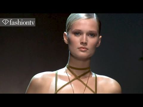 Model Talks - Toni Garrn, Top Model - Exclusive Interview - Spring 2011 Milan | FashionTV - FTV