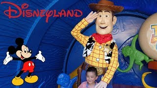 Video DISNEYLAND Park Fun Disney Characters Parade Toy Story Land Mickey Mouse Disney Princess download MP3, 3GP, MP4, WEBM, AVI, FLV Desember 2017
