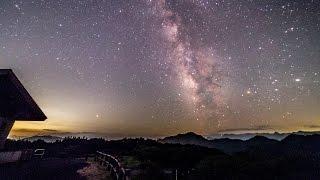 モーション・タイムラプスの世界  - 上武山地に浮かぶ夏の銀河 (IR改造カメラ)