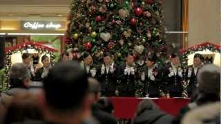羽田空港で起こったクリスマスのサプライズ 感動のフラッシュモブが鳥肌もの