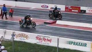 Yamaha V Max drag racing a Hayabusa and Yamaha R6