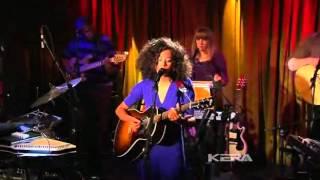 Corinne Bailey Rae  - I Would Like To Call It Beauty  - In Live - 2010 -.avi