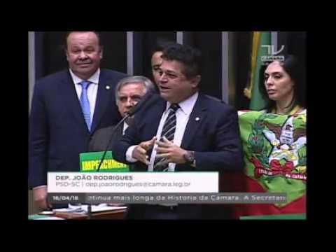 Deputado João Rodrigues manda o PT calar a boca