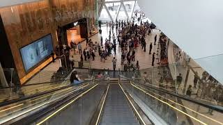 Gambar cover New Apple Store - Jewel Changi Airport