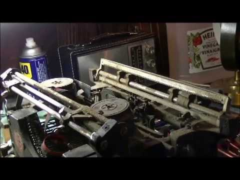 The Underwood Typewriter  - Chapter 1, Part 1 - Disassembling and cleaning.