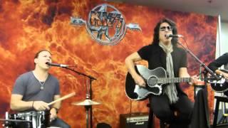 KISS - Hard Luck Woman - Acoustic Session - Bridgestone Arena, Nashville, TN - 7/16/14