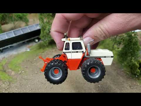 1/64 Case 4984 National Farm Toy Show Tractor