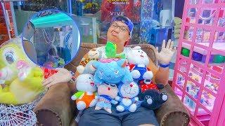 งบ 300 บาท คีบตุ๊กตาได้กี่ตัว จับได้แจกหมดอีกแล้ว-พี่วาฬ