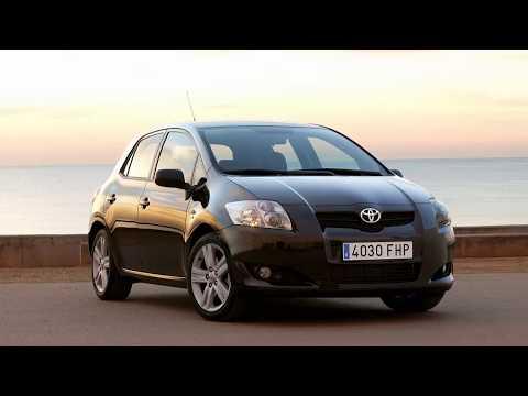 Toyota Auris замена лампы ближнего света