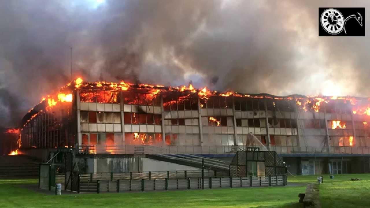 la piscine de valenciennes victime d 39 un violent incendie