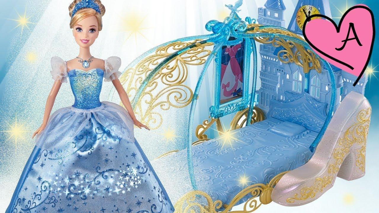 Juguetes de cenicienta mu eca con luces de princesas for Muebles de princesas disney