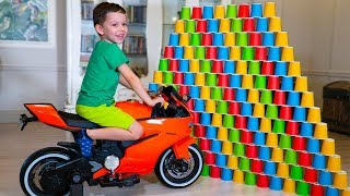 Tema collects vehicles and plays with kids toy sport bikes