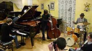 Sangoma Everett Trio