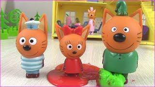 Три кота и БАРБОСКИНЫ Киндер сюрпризы! Суперсемейка Три Кота? Мультики с игрушками