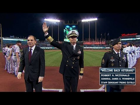 ws2014-gm1:-military-members-honored-during-pregame