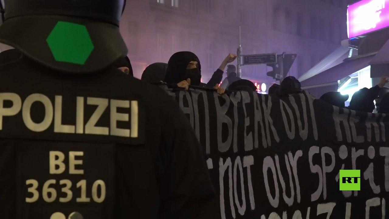 ألمانيا.. احتجاجات عنيفة بعد إجلاء الشرطة العشرات عن مخيم يساري عشوائي  - نشر قبل 17 ساعة