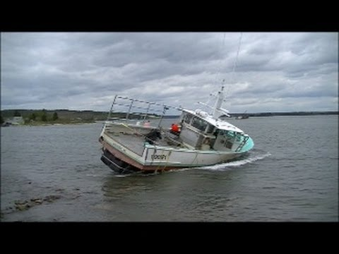 Nightmare Boat Recovery - F/v Lamb Of God (Must See)