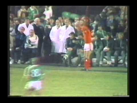 1983 (October 12) Republic of Ireland 2-Holland 3 (EC Qualifier).avi