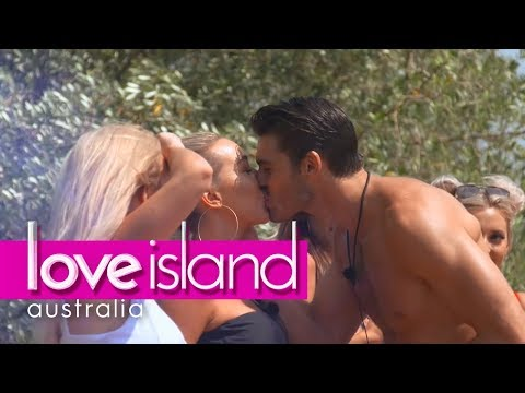 Spin The Bottle: Secrets And Smooches | Love Island Australia 2018