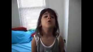 طفلة مصرية بعد ما شافت بنت وولد في امريكا بيبوسو بعض