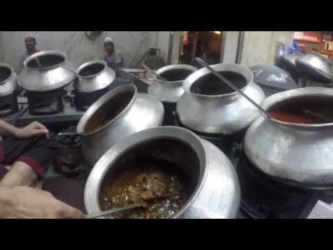 DELHI Part 1: Lotus Temple - Jama Masjid - Karim's Restaurant - Red Fort