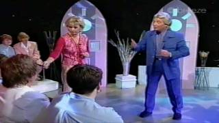 Predictions With Derek Acorah 38 (1/3)