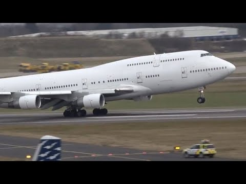 16+ minutes of Plane spotting at Birmingham airport - Including an Emergency landing!