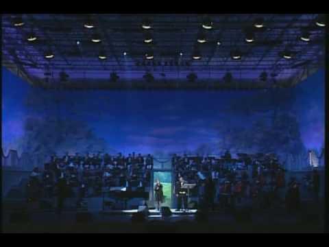 Ave Maria (Live). Luciano Pavarotti & Dolores O'Riordan (HQ)
