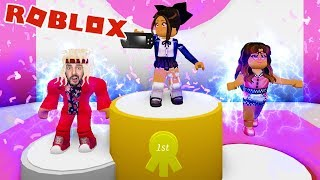 Roblox: KAAN AS TOPMODEL ON THE CATWALK AT FASHION FAMOUS!