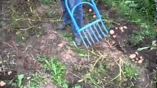 Картофелекопалка видео(, 2011-04-28T14:14:59.000Z)