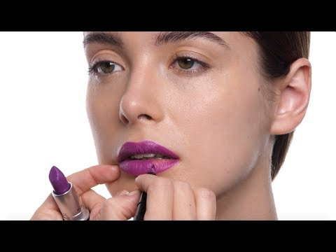 M·A·C How-To —Intense Heroine Lip in 3 Steps