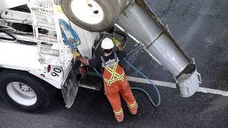 Бетономешалка. Ремонт дороги в Ванкувере.(, 2011-05-26T07:40:45.000Z)