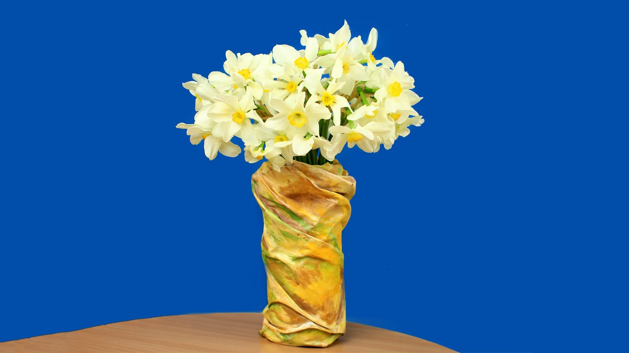 Diy Plastic Bottle Vase Youtube