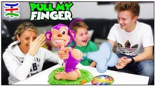 PULL MY FINGER CHALLENGE 🐒 + KRASSE BESTRAFUNG 💩 TipTapTube 😁 Familienkanal 👨👩👦👦