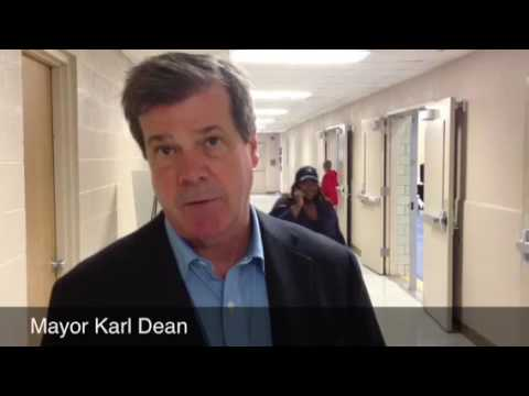 Mayor Karl Dean explains charter schools