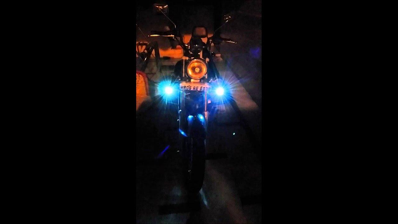 Bajaj Avenger 220 With Flash Strobe Lights