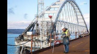 Художники рисуют Крымский мост с натуры 27.12