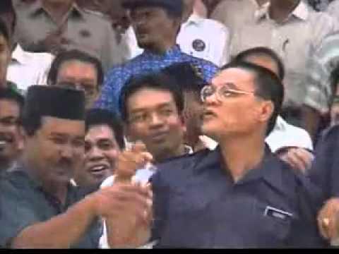 Menteri Besar Pahang Samseng