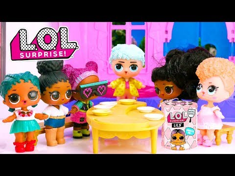 LOL Surprise Dolls Travel In Time Into The Future And Past With Playmobil Sets And Unboxings