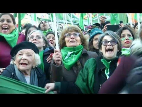 برلمان الأرجنتين يقر تعديلات على قانون الإجهاض  - 16:21-2018 / 6 / 15