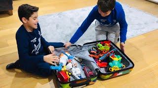 Enes Ve Hamza,yusuf'un Bir Bavul Dolusu En Sevdiği Oyuncaklarını Buldu,bavul Bir