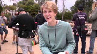 Please Like Me: Behind The Scenes - At The Zoo