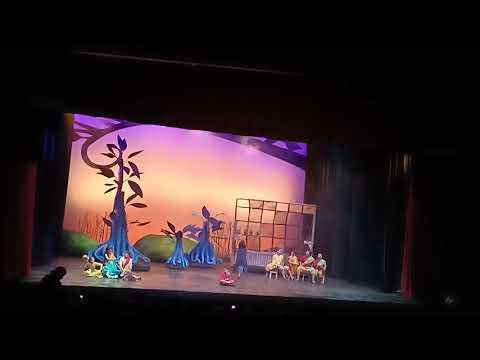 Konser Pohon Impian (Sentuhan Ibu) - Scene 1